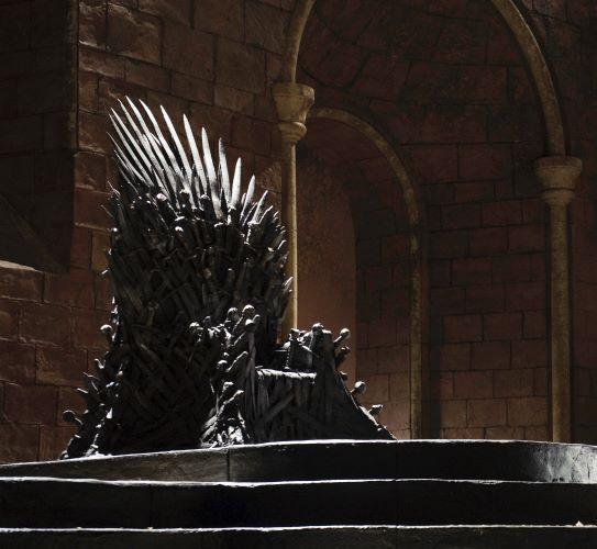 Cuantas espadas tiene el trono de hierro