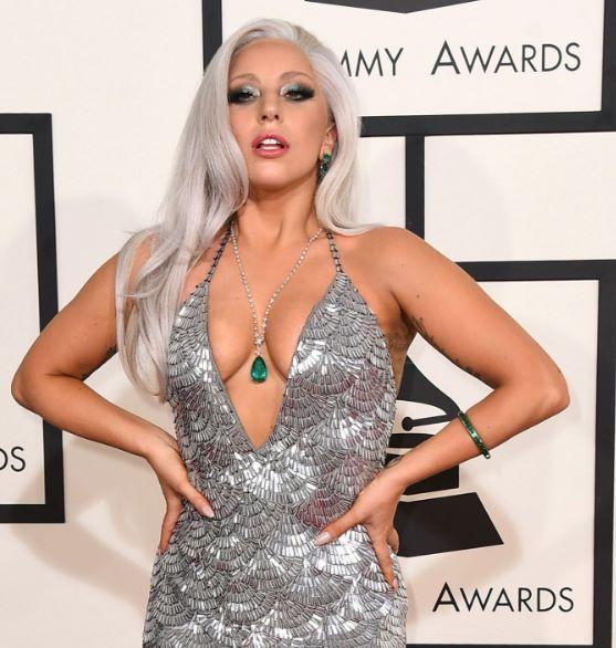 Lady Gaga pesa 55 kilos y mide 1.55 metros