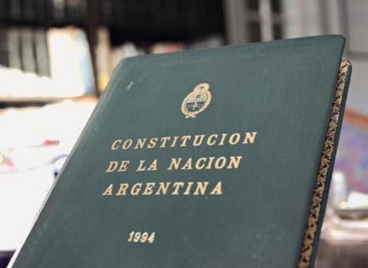 Partes en las que se divide la Constitucion Nacional Argentina