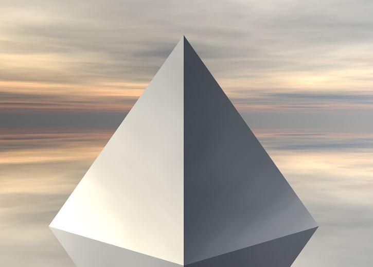 cuantas-caras-tiene-una-piramide