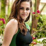 Cuanto mide y pesa Kristen Stewart