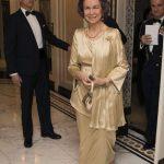 Cuanto mide la reina Sofia de España